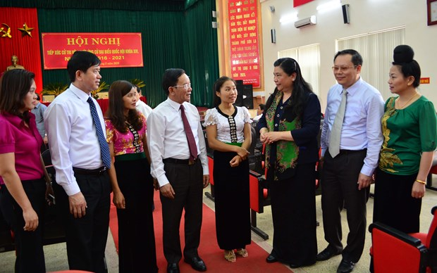 Son La disseminates election information in ethnic languages hinh anh 1
