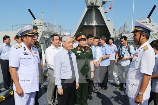 Party chief puts trust in naval force hinh anh 1