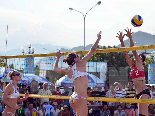 Beach volleyball tourney gets underway in Can Tho hinh anh 1