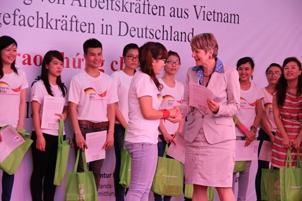 Germany to train more Vietnamese orderlies hinh anh 1