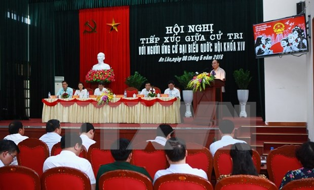 PM talks with voters in Hai Phong hinh anh 1