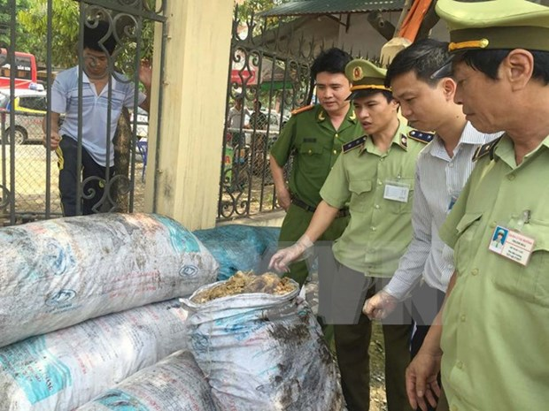 Consumers called to denounce food safety violations hinh anh 1