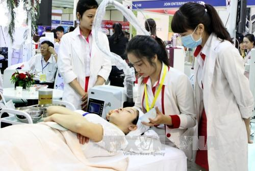Medical products, services from 30 countries showcased in Hanoi hinh anh 1
