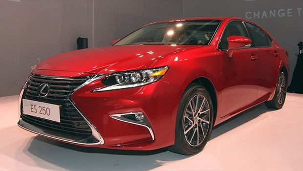 Toyota Vietnam recalls imported Lexus for brake problems hinh anh 1