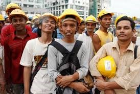 Malaysia to partially lift ban on foreign worker recruitment hinh anh 1