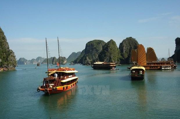 Quang Ninh welcomes 300,000 visitors during national holiday hinh anh 1