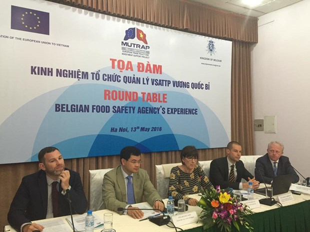 Belgium shares experience on food safety with Vietnam hinh anh 1