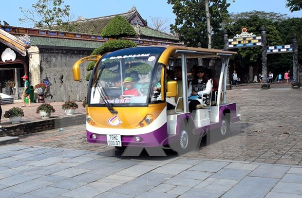 More localities to pilot electric vehicle tourism service hinh anh 1