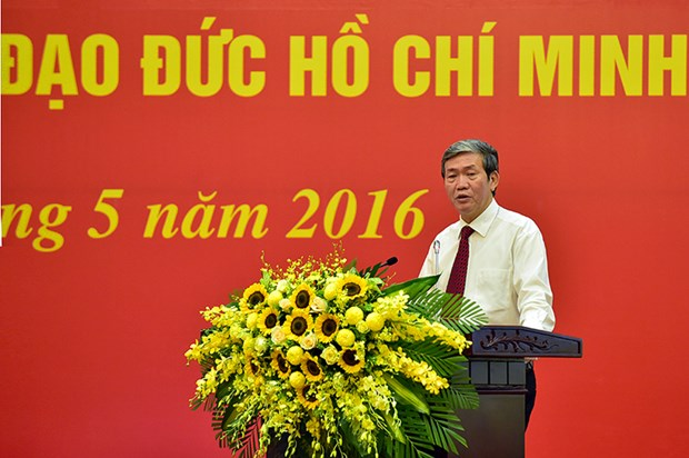 Following Ho Chi Minh's example helps push back degradations hinh anh 1