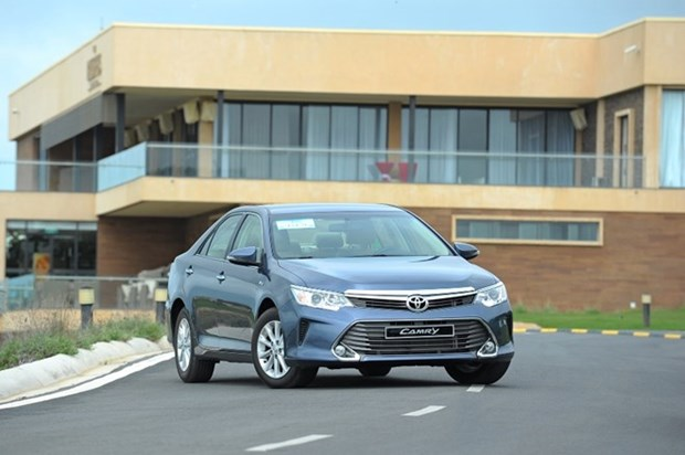 Toyota recalls Camry 2.0E models for software updates hinh anh 1