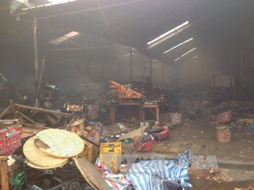 Vietnamese market in Laos on fire hinh anh 1