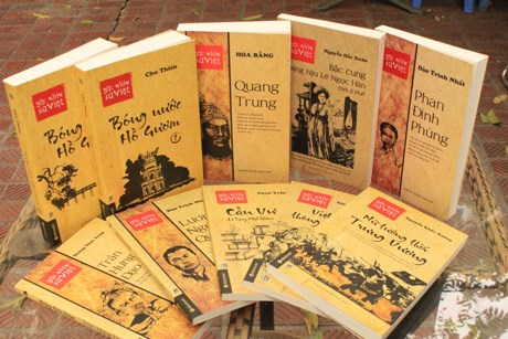 History books for young readers hinh anh 1