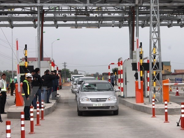 Electronic toll tag cards being issued hinh anh 1
