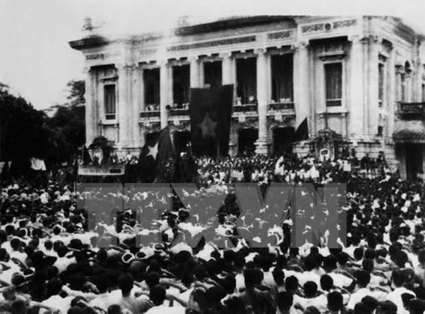 Viet Minh Front's role in history spotlighted at Hanoi exhibition hinh anh 1
