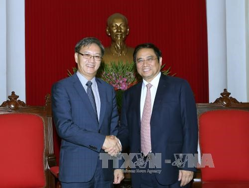 Lao ambassador vows to bring Vietnam-Laos ties to new height hinh anh 1