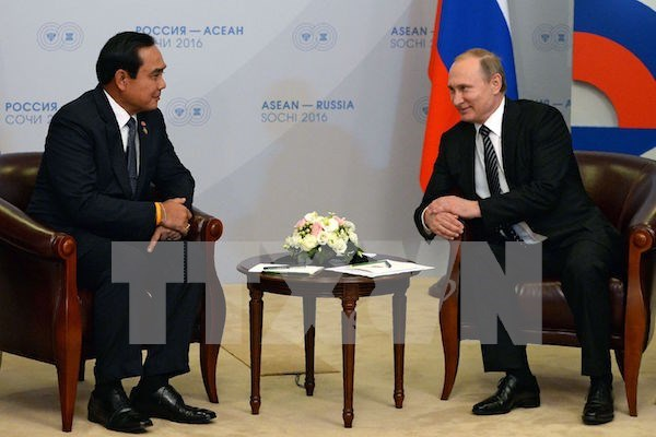 Thailand to trade rice, rubber for Russian helicopters hinh anh 1