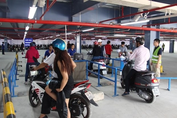 Tan Son Nhat Airport opens new parking hinh anh 1