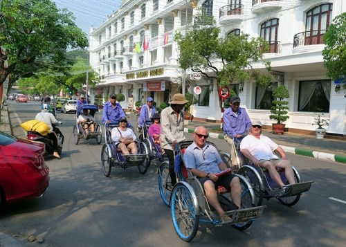 Vietnam tourism sees robust growth hinh anh 1