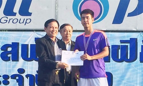 Tien wins gold in Thailand Tennis Open hinh anh 1