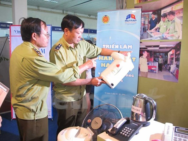 Seminar seeks to prevent fake goods hinh anh 1