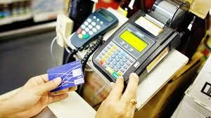 Bank card market sees strong growth hinh anh 1