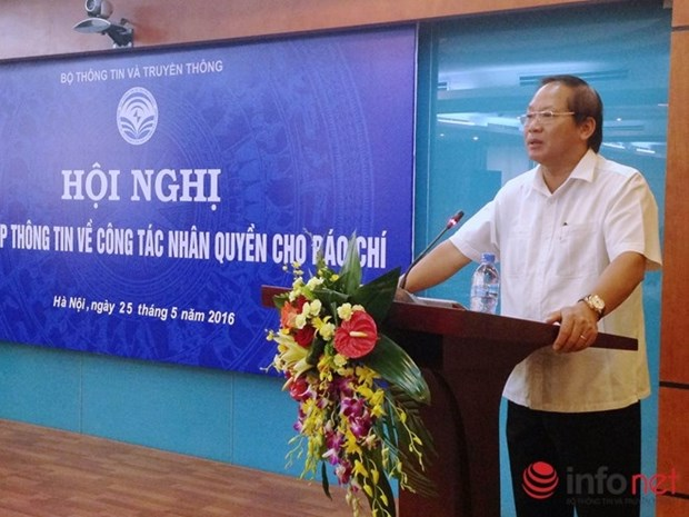 Media urged to focus more on reporting human rights hinh anh 1