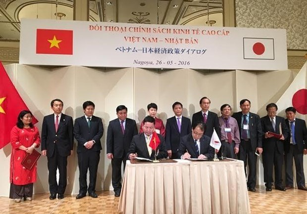 FPT signs contract with two Japanese printing companies hinh anh 1