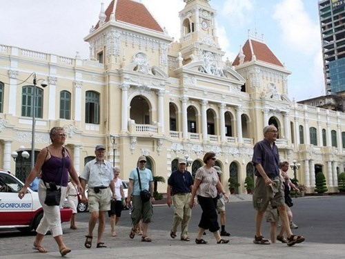 HCM City takes steps to attract tourists hinh anh 1
