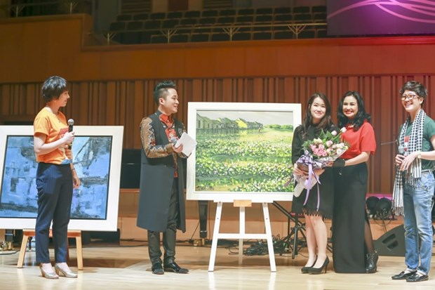 Musical event raises funds for people in flooded areas hinh anh 1