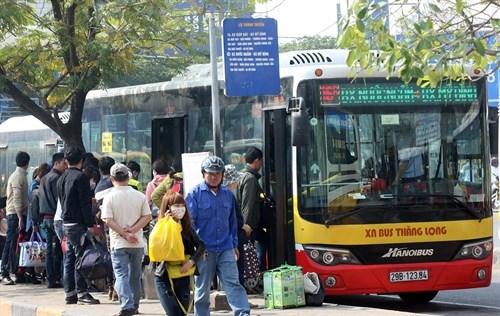 Hanoi increases bus fares, subsidies cut hinh anh 1