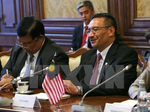 Malaysia urges ASEAN to resolve differences in East Sea issues hinh anh 1