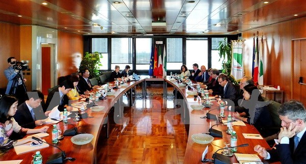 Vietnam seeks stronger economic links with Italy hinh anh 1