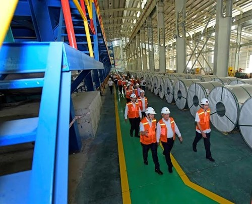 Steel stocks push Vietnam's markets up hinh anh 1