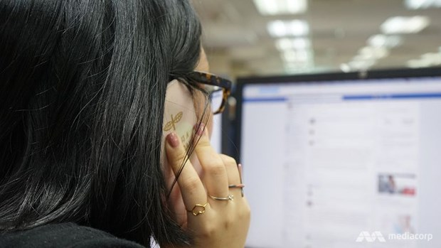 Singapore blocks internet access on public officers' work computers hinh anh 1