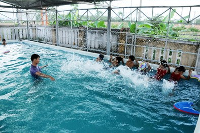Long An equips children with underwater skills hinh anh 1