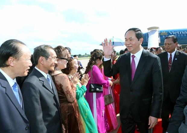 Vietnamese leader visits Champasak province of Laos hinh anh 1
