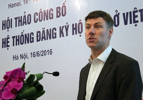 Current household registration system outdated in Vietnam hinh anh 1