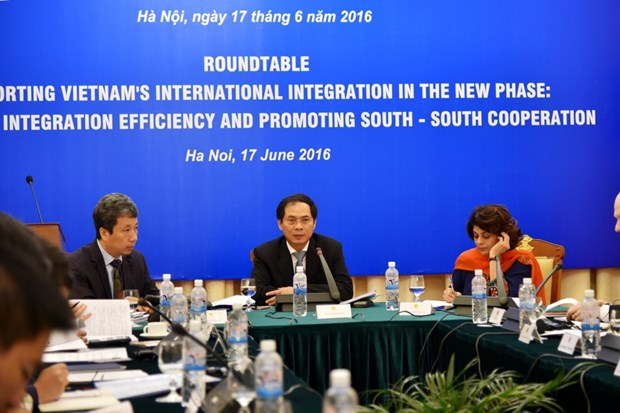 Vietnam to reach new level of int'l integration: official hinh anh 1