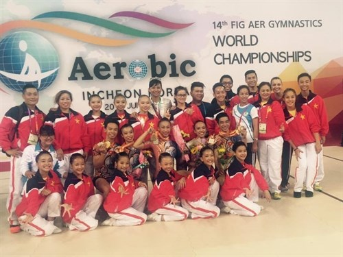 Vietnam wins four world Aerobic medals hinh anh 1