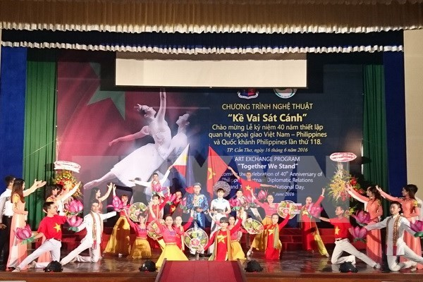 40th anniversary of VN-Philippines diplomatic relations marked hinh anh 1