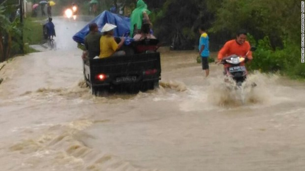Western Indonesia's flood leaves 31 dead, 19 missing hinh anh 1