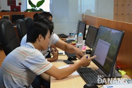 Skilled labour shortage for software companies hinh anh 1