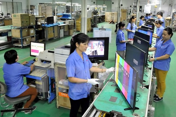 Local enterprises upbeat about business production in H2 hinh anh 1
