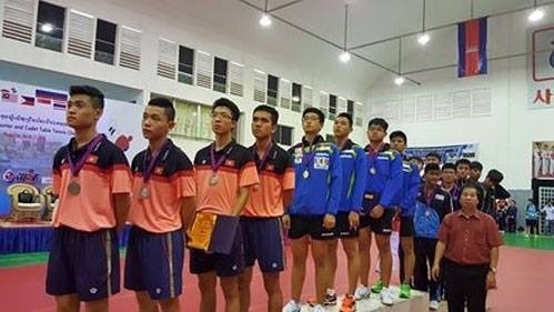 Vietnam win three silver medals in table tennis championship hinh anh 1