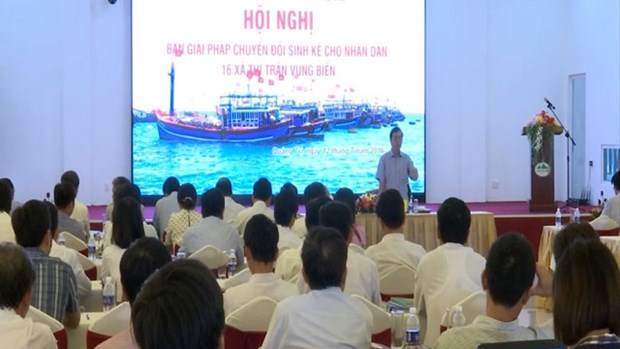 Quang Tri helps affected fishermen earn living hinh anh 1