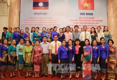 Vietnamese, Lao women share experience hinh anh 1