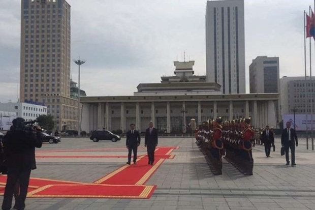 Singaporean PM visits Mongolia to explore energy market hinh anh 1