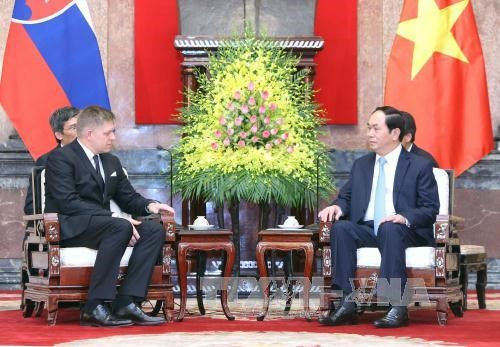 President pushes for EU's signing of free trade deal hinh anh 1