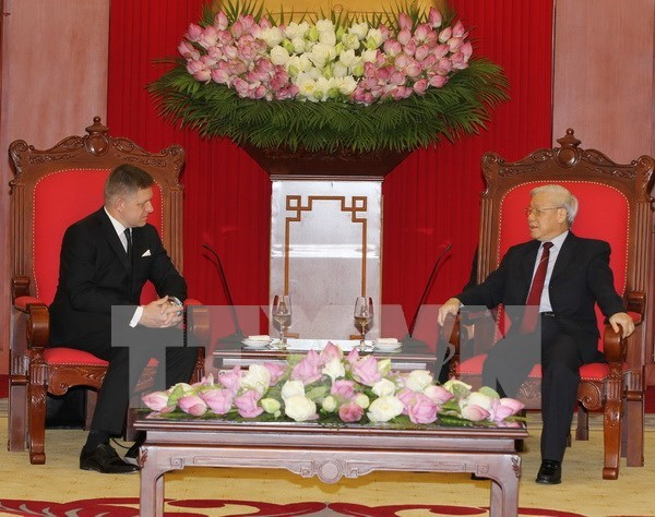 Party leader receives Slovak Prime Minister hinh anh 1