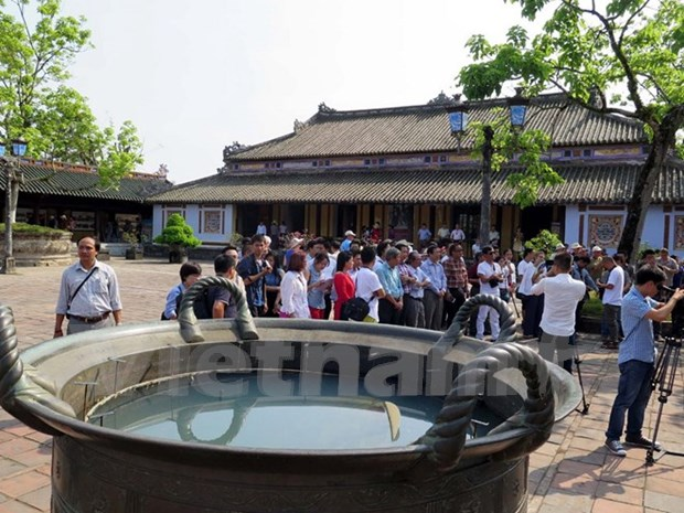 Nguyen Dynasty's antiques recognised as national treasures hinh anh 4